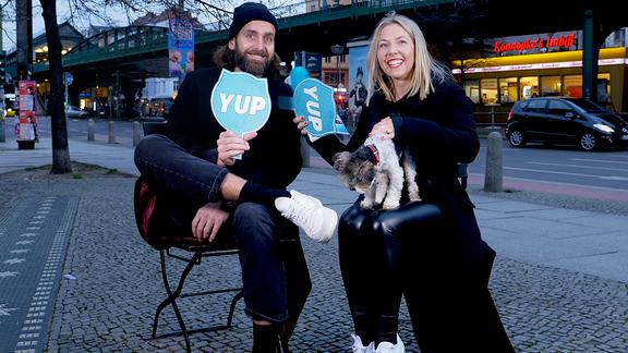 Illegale Fragen mit Handball-Nationalspieler Silvio Heinevetter und Sissy.