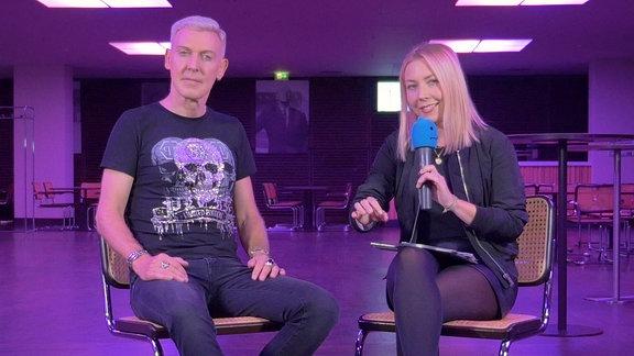 H.P. Baxxter von Scooter und SPUTNIKerin Sissy beim Interview für die Illegalen Fragen.